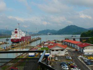 Blick auf Panama Kanal_ Miraflores Schleuse