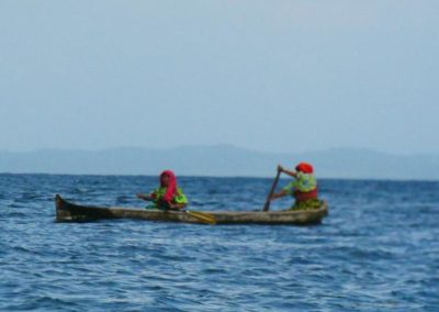Kuna Frauen im Boot_San Blas Inseln_Panama Reise