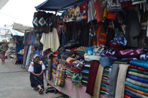 Handwerk_Markt_Otavalo_Ecuadorreise