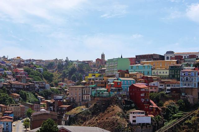 Blick auf bunte Stadt__Valparaiso_Chile_Reise