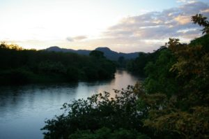 Blick auf Fluss in Pedacito de Cielo